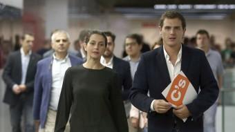 Albert Rivera i Inés Arrimadas, ahir després de la reunió del partit per valorar els resultats electorals TONI ALBIR / EFE