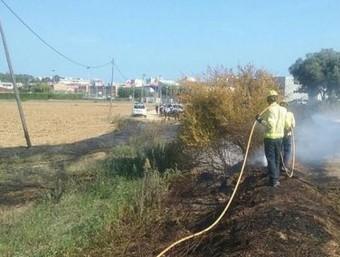 Els Bombers treballant en l'incendi que hi va haver a Sant Antoni de Calonge BOMBERS