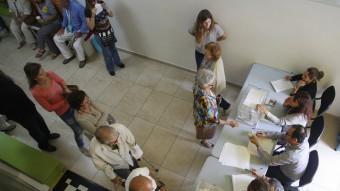 Ciutadans votant diumenge passat a Mataró ORIOL DURAN