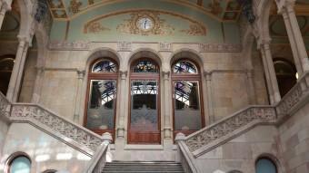 Vestíbul i escala principal del Palau de Justícia, seu del Tribunal Superior de Justícia de Catalunya ARXIU