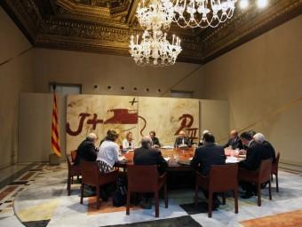 La imputació d'Artur Mas, Joana Ortega i Irene Rigau va transcendir mentre estava reunit el govern ELISABETH MAGRE