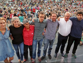 Errejón i Pablo Iglesias, en un míting de Catalunya Sí que Es Pot durant la campanya electoral del 27-S JUANMA RAMOS