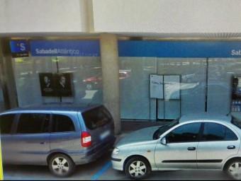 Una imatge exterior de l'ofcina del Banc de Sabadell de Cassà de la Selva extreta de Google.