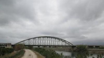 Pont de Fortaleny tancat al trànsit des de lan'y 2012. EL PUNT AVUI