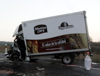 Les dues furgonetes van impactar de cares quan circulaven per l'N-II, a Pontós A. RECOLONS / ACN