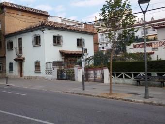 La casa que va comprar el matrimoni i que ara hi viuen ocupes a l'Avinguda Sant Narcís, de Girona Ò. PINILLA