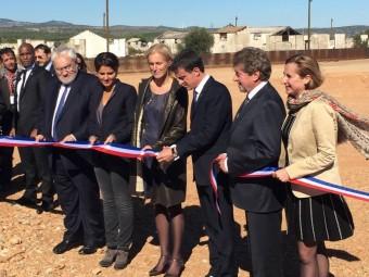 Manuel Valls amb membres del govern francès i autoritats nord-catalanes en el moment de la inauguració C.G