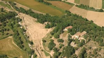 El jaciment arqueològic d'Ullastret , captat amb una imatge aèria. MAC-ULLASTRET