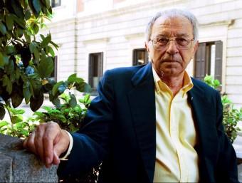 Francesc de Paula Burguera a la plaça de l'Ajuntament de Sueca J. CUÉLLAR