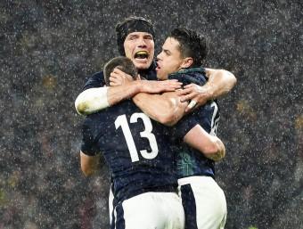 Els escocesos, celebrant una de les marques. EFE