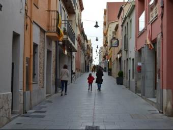 El carrer Barraquetes , un dels eixos comercials de Cassà de la Selva, ahir a la tarda EL PUNT AVUI