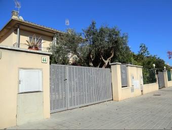 L'immoble on van passar els fets està situat al número 44 del carrer Figueres QUIM PUIG