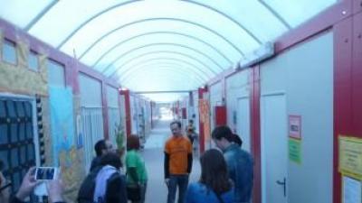 Interior de l'escola Ciutat de Cremona de la vila d'Alaquàs. EL PUNT AVUI