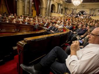 La sessió de constitució del Parlament de Catalunya, el 26 d'octubre, amb Lluís Rabell, de CSQP en primer terme ALBERT SALAMÉ