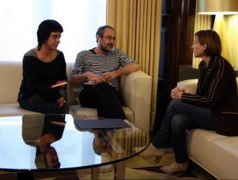 Anna Gabriel i Antonio Bañoas, de la CUP, amb Carme Forcadell ACN