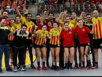 La selecció catalana celebra el cinquè lloc en el mundial de Bèlgica FCK