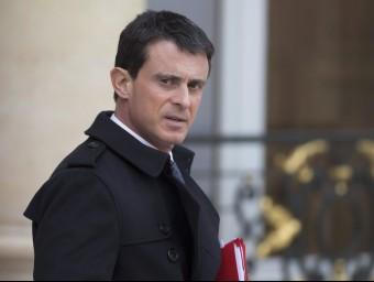 El primer ministre Francès, Manuel Valls, sortint aquest dissabte del palau de l'Elisi EFE