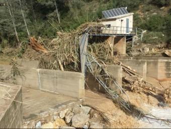 Ni l'estació de mesurament del cabal al Gaià a Vilabella no va poder sostenir la crescuda del riu la nit de l'aiguat ACA