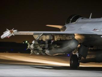 Un dels avions francesos que participa en els atacs contra Estat Islàmic a Siria REUTER