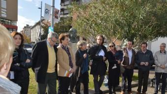 Els Amics de la Unesco de Girona amb el president de la Fundació Prudenci Bertrana. EL PUNT AVUI