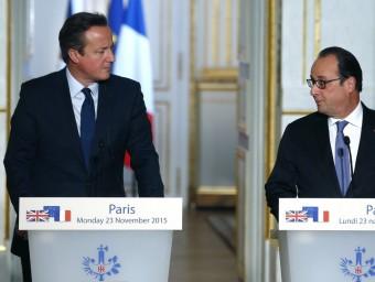 David Cameron i François Hollande aquest dilluns a París REUTERS