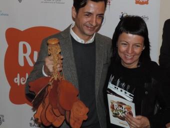 Raül Balam i Fina Puigdevall, en el lliurament de la massa de morter. ADN STUDIO