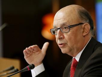 Cristóbal Montoro, durant la roda de premsa que va oferir ahir a Madrid SERGIO BARRENECHEA / EFE