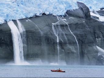 El desgel causat per l'efecte hivernacle, a Groenlàndia  ARXIU