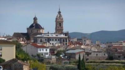 Vista de Xelva des de la carretera que la uneix amb la vila de Titaigües. ESCORCOLL