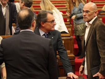 Raül Romeva parla amb Artur Mas i Oriol Junqueras al Parlament ACN
