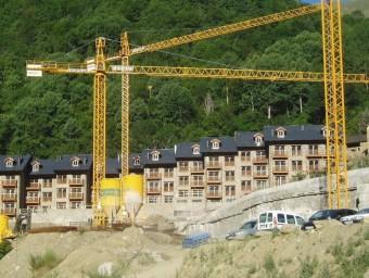Imatge d'arxiu de les obres per a la construcció d'habitatges al nucli d'Espui (Pallars Jussà) J.R