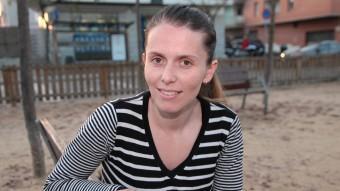 Cristina López, divendres en una plaça del barri de la Devesa JOAN SABATER