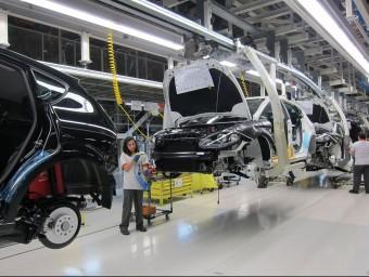 Diversos sectors, com el d'automoció, s'estan recuperant.  ARXIU