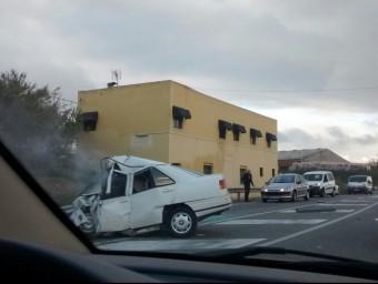 El cotxe implicat en l'accident, aquest dilluns a la carretera C-66, a Pera ACN