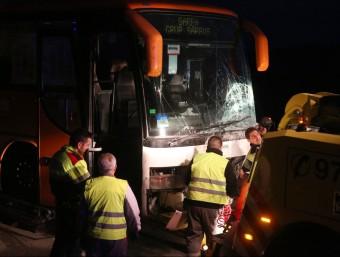 L'autobús que va resultar implicat ahir a la tarda en el fatídic accident JOAN CASTRO (ICONNA)