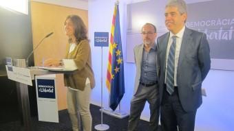 Mercè Conesa, Carles Campuzano i Francesc Homs , ahir, a la seu de CDC EUROPA PRESS
