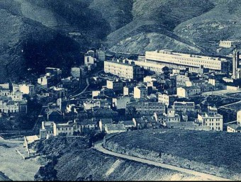 An image of the coastal town of Portbou on the French/Spanish border in 1930.