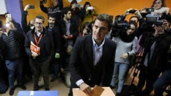 Albert Rivera, candidat de Ciutadans (C's) a la Moncloa, diposita el seu vot REUTERS