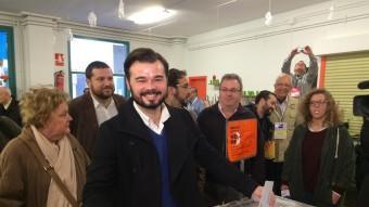 Gabriel Rufián exerceix el seu dret a vot a Sabadell EP
