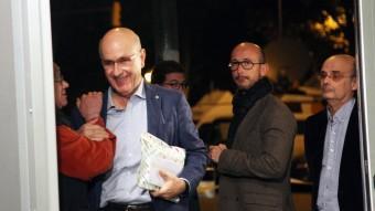 El líder d'UDC, Josep Antoni Duran i Lleida, a l'arribada aquest vespre a la seu del partit ELISABETH MAGRE