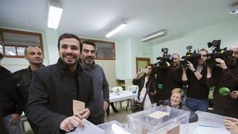 Garzón diposita el vot al col·legi Manuel Laza Palacio, de Rincón de la Victoria, a Màlaga EFE
