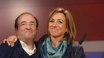 El primer secretari del PSC, Miquel Iceta, i la candidata per Barcelona, Carme Chacón, amb cara de circumstàncies O. D