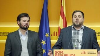 Gabriel Rufián, Oriol Junqueras i Santiago Vidal durant la roda de premsa aquest dilluns EFE