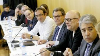 Artur Mas i Francesc Homs durant la reunió de l'executiva nacional de CDC, aquest dilluns EFE