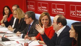 Chacón i Iceta a l'executiva del PSC que ahir valorava els resultats electorals. ORIOL DURAN