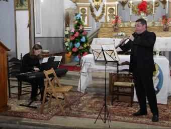 Muñoz Palmer i Elena Aguilar en el concert d'ahir a Portell. EL PUNT AVUI