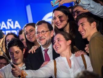 Mariano Rajoy, guanyador de les eleccions espanyoles del 20 de desembre passat, en un miting de campanya.  AFP PHOTO / GABRIEL GALLO