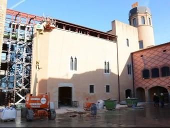 El castell de Calonge està en obres, en concrte, s'està tancant la primera fase de la rehabilitació. EL PUNT AVUI