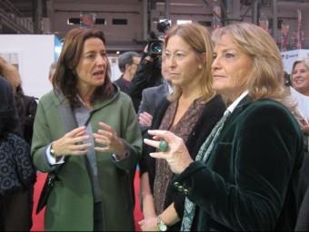 La vicepresidenta Neus Munté i Helena Rakosnik en la inauguració del Festival de la Infància EP