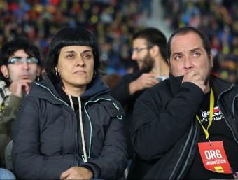 Anna Gabriel i David Fernández durant l'assemblea de la CUP a Sabadell ANDREU PUIG